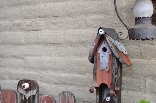 Birdhouse bench closeup