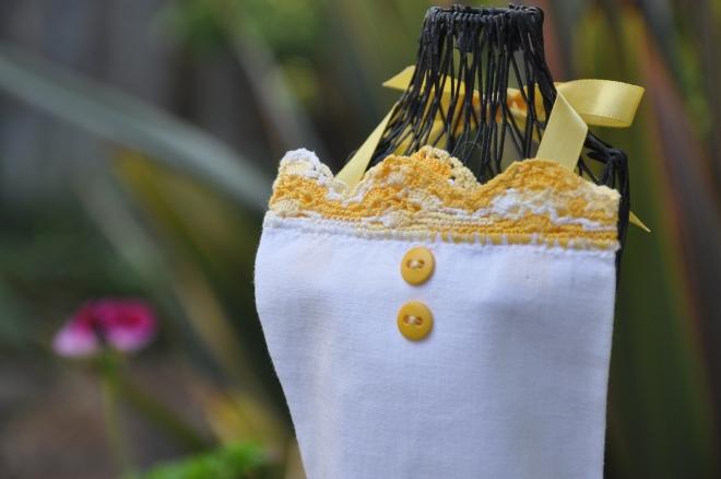 apron bodice in garden
