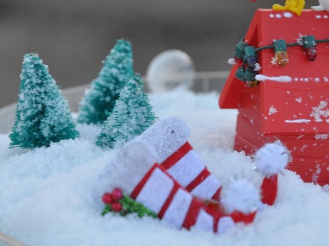 snow globe sleigh detail
