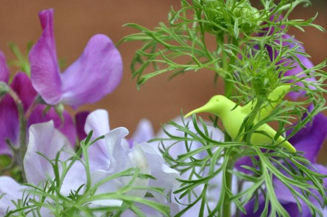 sweet peas in vases-002