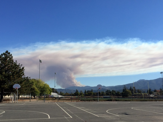 loma-fire-by-day