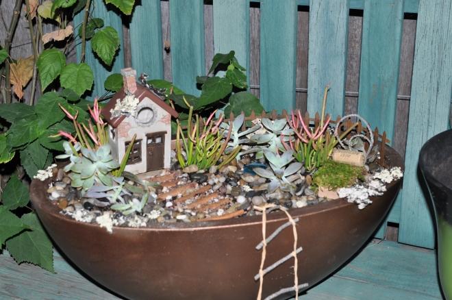 completed-fairy-garden-for-elizabeth
