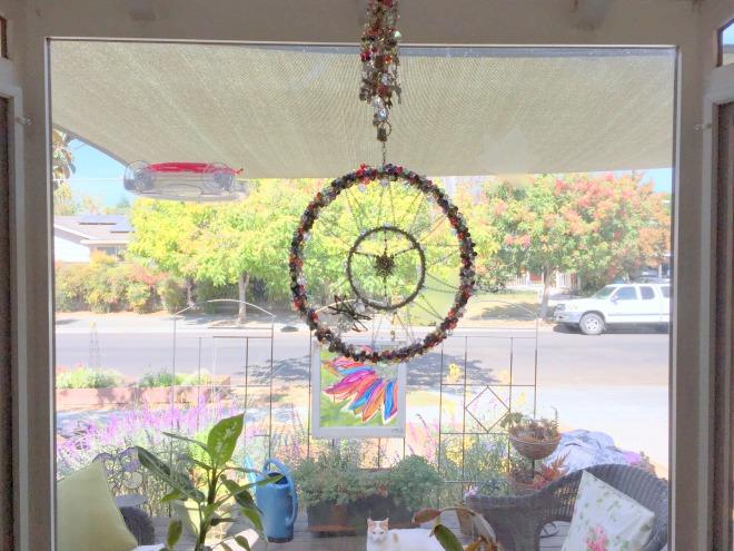 spider-light-catcher-kitchen-window