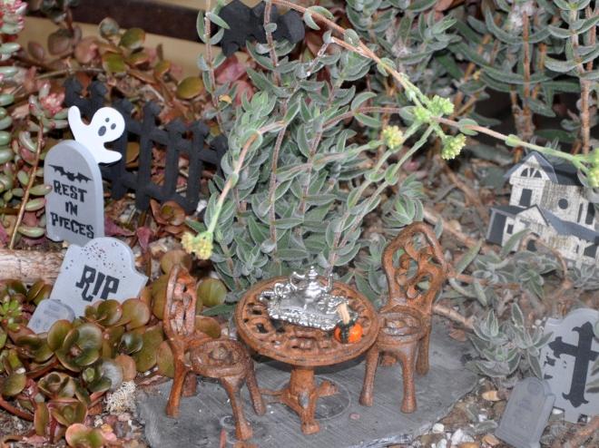 tea-in-the-fairy-garden