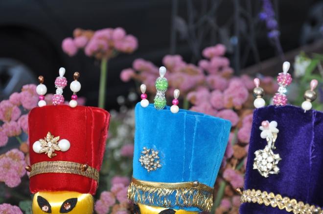 wise-men-crowns