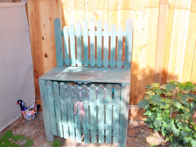 green potting bench